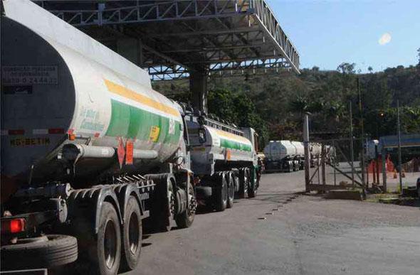 Resultado de imagem para Gás poderia ser usado como alternativa ao diesel, aponta Levy